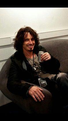 Chris Cornell #chriscornell #audioslave #soundgarden #templeofthedog Beautiful Voice, Most Beautiful Man, Gorgeous Men, Beautiful People, Chris Cornell, Say Hello To Heaven, Seattle, Feeling Minnesota, Temple Of The Dog