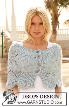 """Knitted DROPS shoulder wrap with lace pattern in """"Eskimo"""". ~ DROPS Design - free"""