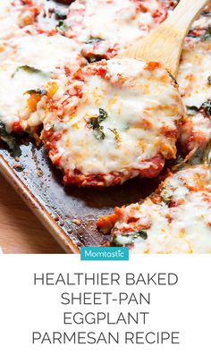 Forgo the fryer and make this healthier Baked Sheet-Pan Eggplant Parmesan tonight! - Forgo the fryer and make this healthier Baked Sheet-Pan Eggplant Parmesan tonigh. Veggie Recipes, Cooking Recipes, Healthy Recipes, Dinner Recipes, Fodmap, Calories In Vegetables, Eggplant Dishes, Healthy Baking, Clean Eating Snacks