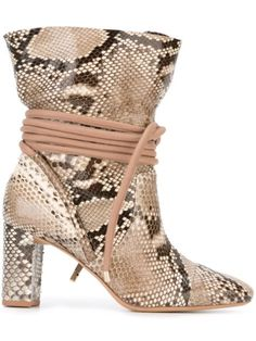 03bc1829d58976 Shop the latest women s designer Shoes at Farfetch now.