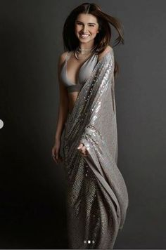 Tara Sutaria in this sequin saree has left us speechless! Source by POPxoDaily saree Bollywood Girls, Bollywood Fashion, Bollywood Saree, Bollywood Actors, Beautiful Girl Indian, Beautiful Saree, Indian Dresses, Indian Outfits, Saree Wearing
