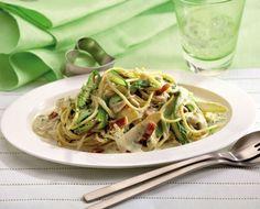 Spargel-Rezept: Spaghetti Carbonara mit grünem und weißem Spargel