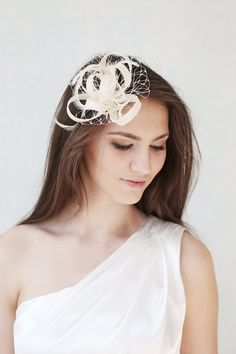 Haarschmuck & Kopfputz - Braut Federn Haarschmuck, Sisal Fascinator - ein Designerstück von BeChicAccessories bei DaWanda
