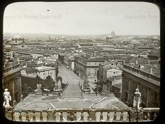 Foto storiche di Roma - Panorama dal Campidoglio Anno: 1870 ca Bella Roma, Secret Places, Old City, Old Photos, Paris Skyline, Cool Pictures, Places To Visit, Louvre, Italy