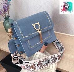 Fashion Handbags, Purses And Handbags, Fashion Bags, Trendy Purses, Cute Purses, Luxury Purses, Luxury Bags, Denim Tote Bags, Denim Purse