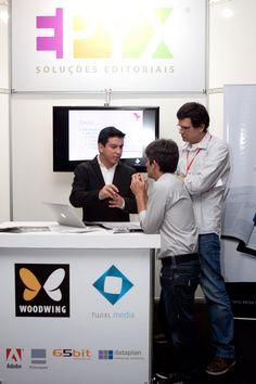 Luiz Silveira, Diretor de Marketing da EPYX, apresenta novidades em Digital Publishing ao público do Fórum Aner 2013. Foto: Patricia Bruni.
