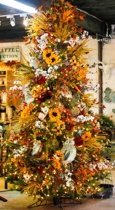 Come see the Autumn Tree at Pete's Greenhouse and shop for items to make one of your own! Come see the Autumn Tree at Pete's Greenhouse and shop for items to make one of your own! Fall Christmas Tree, Thanksgiving Tree, Christmas Tree Cards, Holiday Tree, Xmas, Fall Tree Decorations, Thanksgiving Decorations, Halloween Trees, Fall Halloween