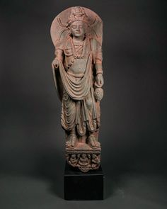 Here's an Important Grey Schist Statue of Bodhisattva. He is represented standing in a light tribhanga with a big Halo. Adorned with jewelry; dressed in a pleated dhoti and scarf. Pax Romana, Standing Buddha, Buddha Figures, Art Carved, Buddhist Art, Stone Carving, British Museum, Ancient Art