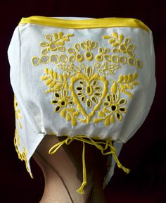 čepiec štylizovaný región Piešťany (moja práca...) Folk Clothing, Two By Two, Traditional, Costumes, Embroidery, Patterns, Fashion, History, Needlework