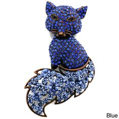 Dazzle everyone you meet with this spectacular crystal fox brooch. With pretty blue and clear round-cut gemstones in a variety of sizes, this brooch is a sly way to add style to your look.