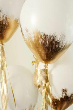 basteln-luftballons-gold-deko-selber-machen-bemalen-weiss