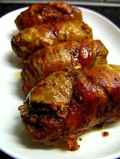 Slavink is a 'covenience meat', very popular for quick family meals.  It's basically ground meat (half beef, half pork) wrapped in smoked bacon.