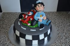 MY ROARY CAKE by nicolalabridgeter, via Flickr