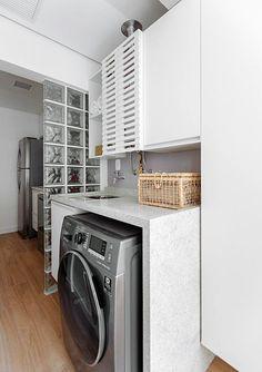 10 dicas para ter uma bonita e funcional ! Home Appliances, Room Design, Modern Bathtub, Laundry Room Design, Home Deco, Sweet Home, Laundry, Bathtub Design, Van Home