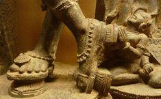Morden Dress, Indian Architecture, Temple Architecture, Tanjore Painting, Delphine, Flip Flop Shoes, Kinds Of Shoes, Dance Art, 14th Century