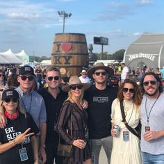 The family that fests together stays together! 🤘Thanks for putting on a terrific show. My favorite moment was watching. Jensen Ackles, Danneel Ackles, Dean Winchester, Danneel Harris, Social Media Updates, Supernatural Dean, Family Business, Film, Put On