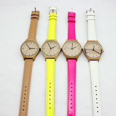 Bamboo Watch with Minimalist Vintage Design and Genuine Leather Straps Cheap Watches, Women's Watches, Sunglasses Store, Leather Watch Bands, Quartz Watch, Gold Watch, Vintage Designs, Minimalist, Stuff To Buy