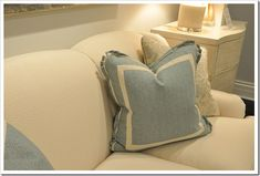 Pillow detail- double flange with rounded pleated corners