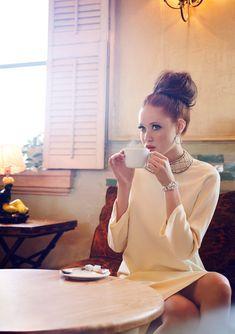 Coffee break... / Creative Director: Sydney Ballesteros / Photographer: Puspa Lohmeyer