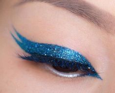 maquillaje de brillo Double Eyeliner, Winged Liner, Makeup Looks, Hair Beauty, Make Up, Skype, Chic, Thin Eyeliner, Amor