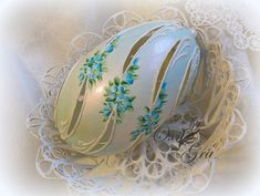 Egg Crafts, Easter Crafts, Types Of Eggs, Egg Shell Art, Carved Eggs, Easter Egg Designs, Silk Art, Egg Art, Egg Decorating