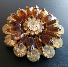 Unsigned WEISS Vintage Brooch Pin Flower Amber Clear Rhinestone Gold Tone! 3003