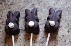 chocolate covered peeps... Easter Snacks, Easter Peeps, Easter Candy, Hoppy Easter, Easter Treats, Easter Recipes, Easter Stuff, Holiday Treats, Holiday Fun