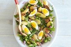 Kijk wat een lekker recept ik heb gevonden op Allerhande! Aardappel-tonijnsalade met asperges