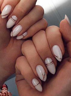 Perfect Nails, Gorgeous Nails, Pretty Nails, Beautiful Nail Polish, White Nail Art, Gold Nail Art, White Nails With Gold, Sexy Nail Art, Black Nail
