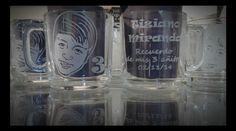 Souvenir taza con rostro grabado