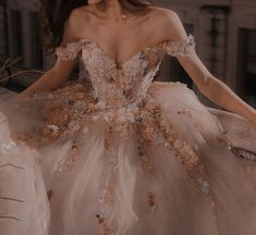Cute Prom Dresses, Ball Dresses, Pretty Dresses, Beautiful Dresses, Ball Gowns, Wedding Dresses, Glamouröse Outfits, Fantasy Gowns, Fairytale Dress