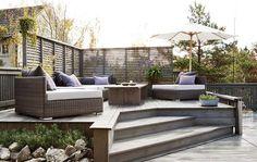 Terrassetips: En trapp opp til sittegruppen tar plass, men er fin for å avgrense ulike soner på terrassen.