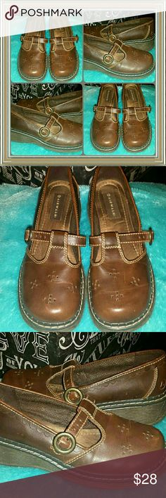 ?? AIRWALK CUTE SUPER COMFY MARYJANE BUCKLE SHOES AWESOME AIRWALK supercomfy & classic MARY JANE casual shoes...they are a LADIES SIZE -8, in  ABSOLUTE EXCELLENT pre-luved condition Airwalk Shoes