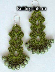 Instructions in Spanish. Note that a lot of patterns for crochet jewelry have interesting, odd shapes. Crochet Earrings Pattern, Crochet Jewelry Patterns, Crochet Bracelet, Crochet Accessories, Crochet Designs, Love Crochet, Bead Crochet, Diy Crochet, Crochet Crafts