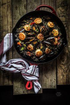 Squid ink seafood paella