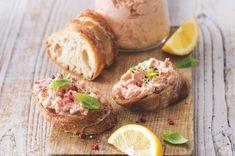 Tuňáková pomazánka   Apetitonline.cz Baked Potato, Potatoes, Bread, Baking, Ethnic Recipes, Food, Drink, Fitness, Beverage