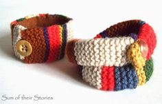 Sum of Their Stores shares her love of Doctor Who with two knit bracelet patterns inspired by Tom Baker's famous scarf.