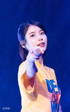 ( *`ω´) ιf you dᎾℕ't lιkє Ꮗhat you sєє❤, plєᎯsє bє kιnd Ꭿℕd just movє ᎯlᎾng. Famous Singers, Famous Artists, Iu Fashion, Korean Fashion, Korean Celebrities, Celebs, Korean Girl, Asian Girl, Pikachu Drawing