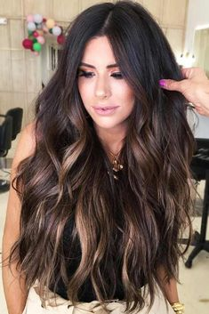 Subtle Fall Balayage #brunette #balayage ★Fall hair colors ideas for brunettes and for blonds. Follow the trends and try red, caramel, dark chocolate brown or auburn shade on yourself. ★ See more: https://glaminati.com/fall-hair-colors-ideas/ #fallhaircolors #haircolors #fallhair #glaminati #lifestyle Balayage Hair Blonde, Dark Brunette Hair, Auburn Balayage, Haircolor, Brunette Color, Fall Balayage, Pulp Riot Hair Color, Long Ombre Hair, Brown Ombre Hair