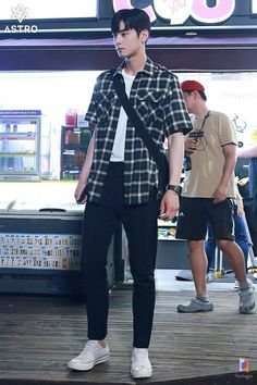 My ID is Gangnam Beauty-K Drama-id-Subtitle Indonesia Grunge Outfits, Boy Outfits, Casual Outfits, Men Casual, Korean Fashion Men, Korean Street Fashion, Korean Men, Korean Celebrities, Korean Actors