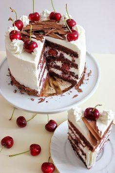 "Kiara`s cakes: Tarta ""Selva negra"" / Black Forest Cake Sweet Desserts, Just Desserts, Sweet Recipes, Cake Recipes, Dessert Recipes, Drip Cakes, Sweet Cakes, Cakes And More, Let Them Eat Cake"