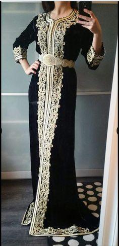 magnique caftan Kaftan Moroccan, Morrocan Dress, Hijab Fashion 2016, Arab Fashion, Oriental Dress, Oriental Fashion, Desi Wedding Dresses, Arabic Dress, Moda Paris