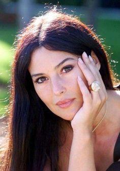 Goodnight  buonanotte amici  Monica Bellucci