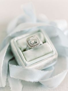 Vintage inspired double halo engagement ring: http://www.stylemepretty.com/2016/12/27/best-most-beautiful-engagement-ring-2016/ Photography: Mariel Hannah - http://www.marielhannahphoto.com/
