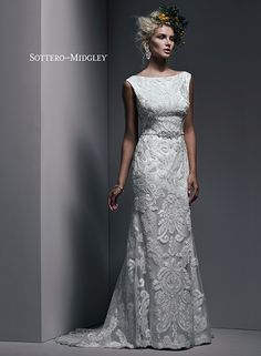 Exquisite Bold Lace And Tulle This Sheath Wedding Dress Exudes Understated Glamour With A Stunning