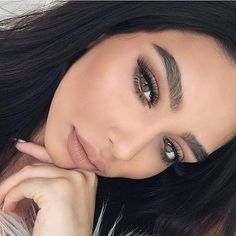 Stripped liquid lipstick @janicejoostemaa BROWS: #Browdefiner in Ebony and Espresso Tinted Brow Gel GLOW: That Glow#GlowKit #anastasiabeverly... - Anastasia Beverly Hills (@anastasiabeverlyhills)