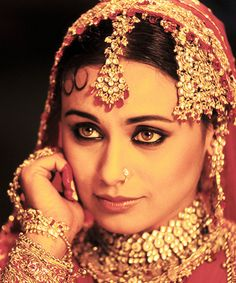 regram Happy belated birthday to our wonderful Rani Mukherjee! Wish her mus love and happiness in her life! Can't wait for her comeback! Most Beautiful Indian Actress, Most Beautiful Women, Beautiful Actresses, Beautiful Bride, Beautiful Eyes, Bollywood Stars, Rani Mukerji, Indian Marriage, Dehati Girl Photo