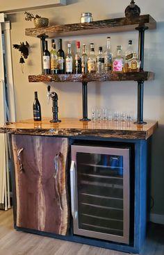 Home Bar Rooms, Diy Home Bar, Bars For Home, Home Bar Decor, Custom Home Bars, Live Edge Bar, Whiskey Room, Bourbon Bar, Indoor Bar