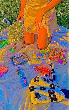 Rainbow Aesthetic, Aesthetic Indie, Aesthetic Collage, Aesthetic Backgrounds, Aesthetic Iphone Wallpaper, Aesthetic Wallpapers, Arte Indie, Estilo Indie, Soft Grunge