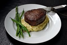 Filet Mignon – pan seated first and then finished in the oven. (Add butter to th… Filet Mignon – pan seated first and then finished in the oven. (Add butter to the pan with the oil) I Love Food, Good Food, Yummy Food, Healthy Food, Perfect Filet Mignon, Meat Recipes, Cooking Recipes, Cooking Tips, Side Dishes